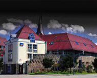Dunkle Wolken über der Volksbank Möckmühl